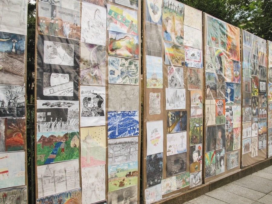museum of genocide victims in vilnius lithuania outside artwork and memorials-2-min