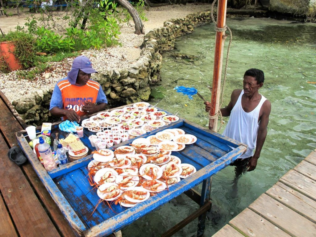 Seaside food in Isla San Martin de Pajarales, Colombia