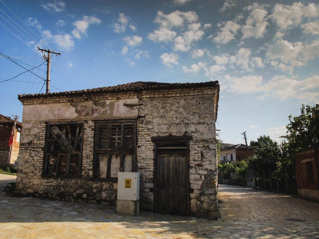 Tushemisht, Albania