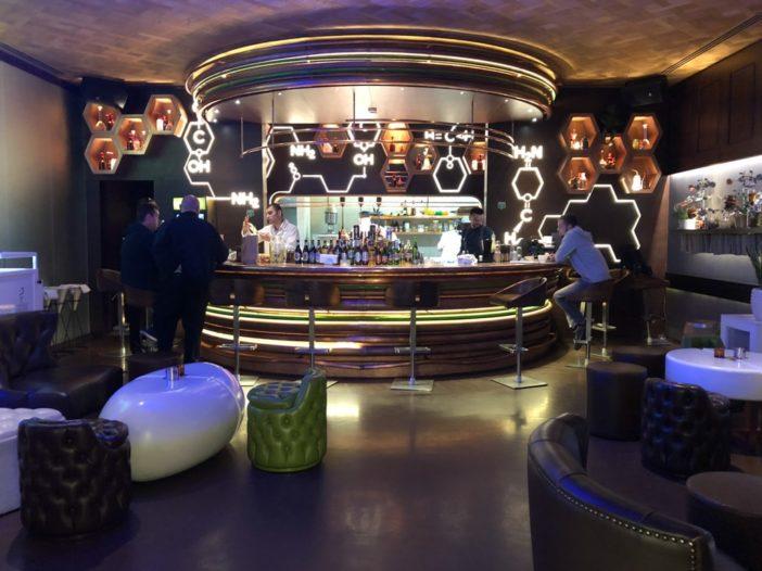 25 Useful Things to Know Before You Visit Baku, Azerbaijan pivnara bar