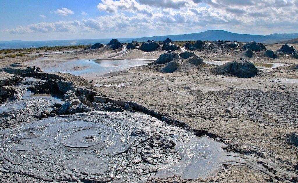 mud volcanoes azerbaijan