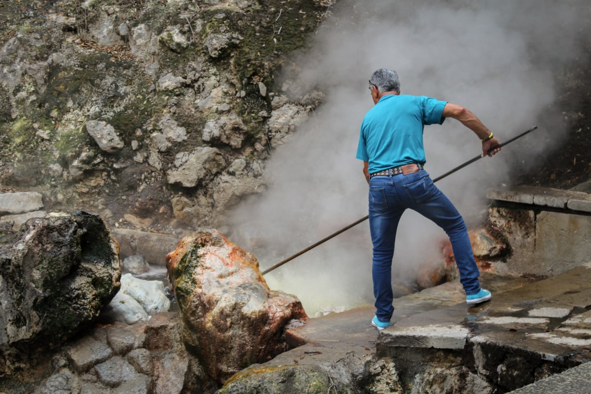 boiling corn with geothermal heat in the azores