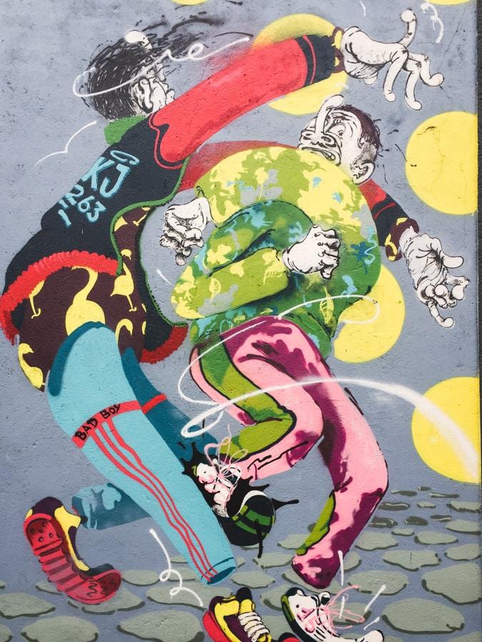 things to do in dusseldorf, germany - street art at kiefernstrasse