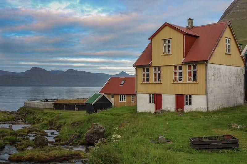 accommodation in the faroe islands- gjogv