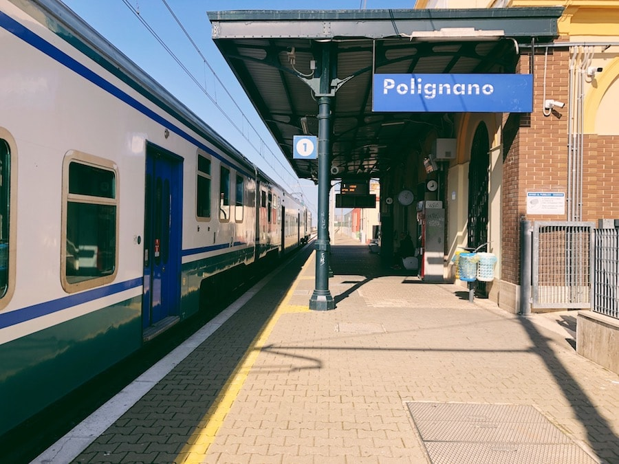 how to get from bari to polignano a mare cheaply by train station