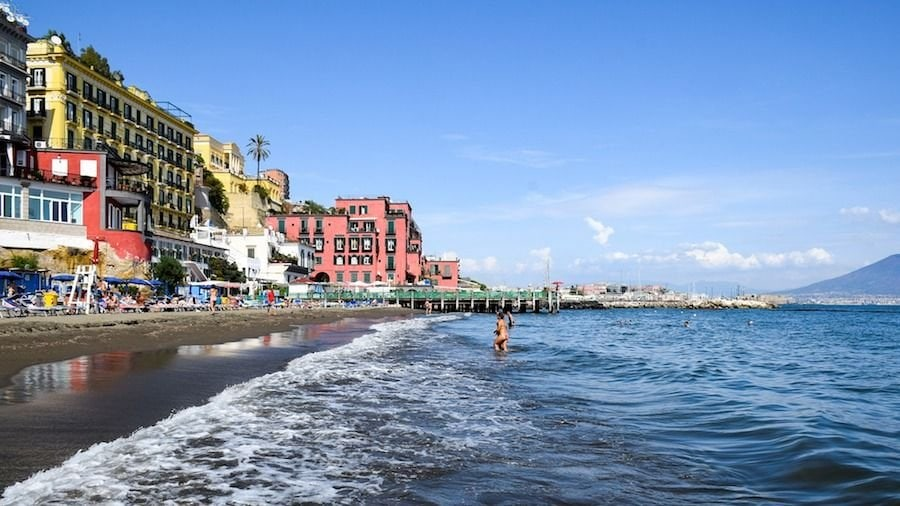 naples italy hotel guide