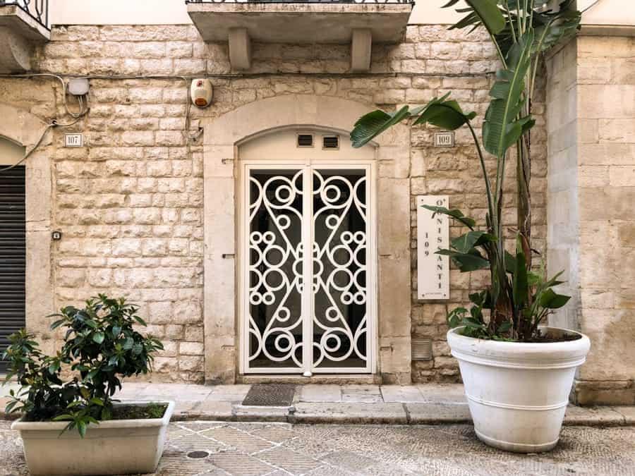 Gorgeous exteriors in Trani, Italy - Apulia's Gem