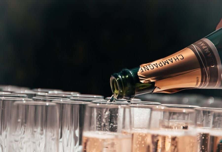 Best Champagne Tour in Reims Guide = Tastings and Tours
