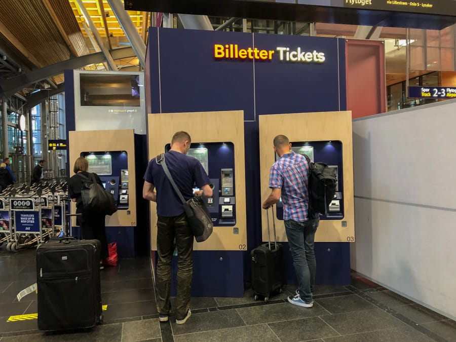 buying a train ticket from oslo airport to city