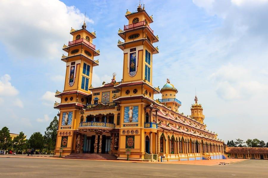 cao dai temple vietnam saigon