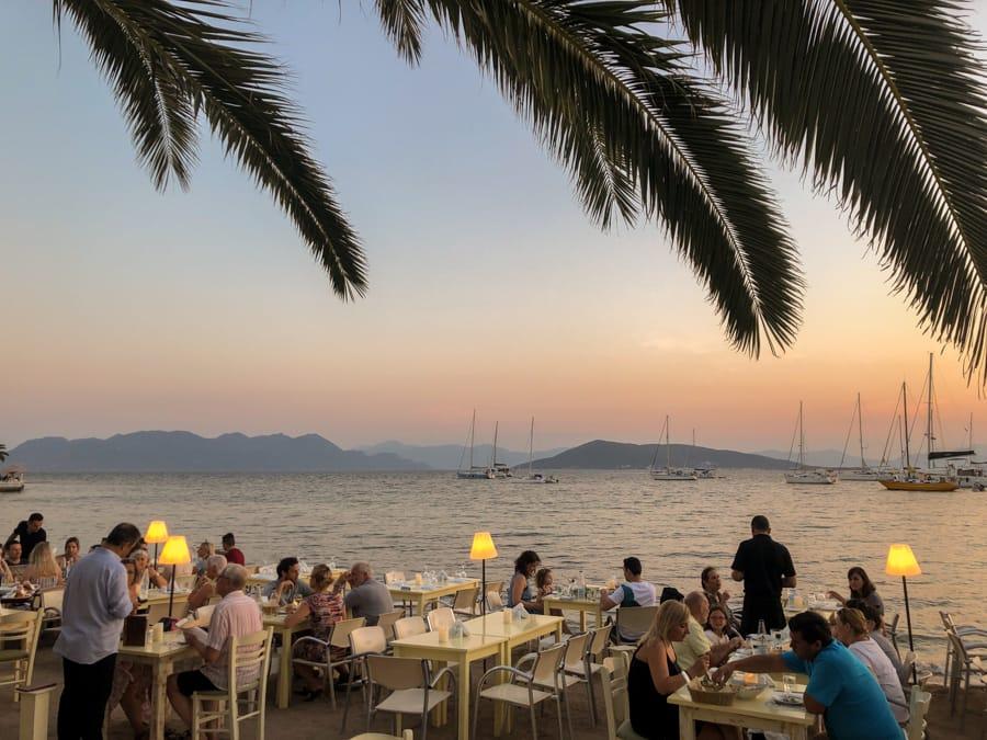 restaurants in aegina greece