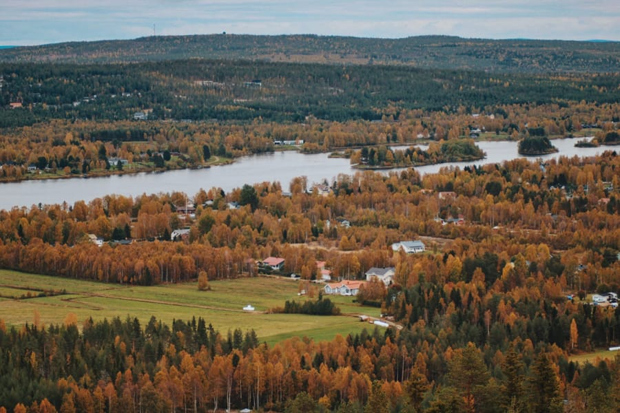 9 Reasons Why You Should Visit Lapland in Autumn (Not Winter!)