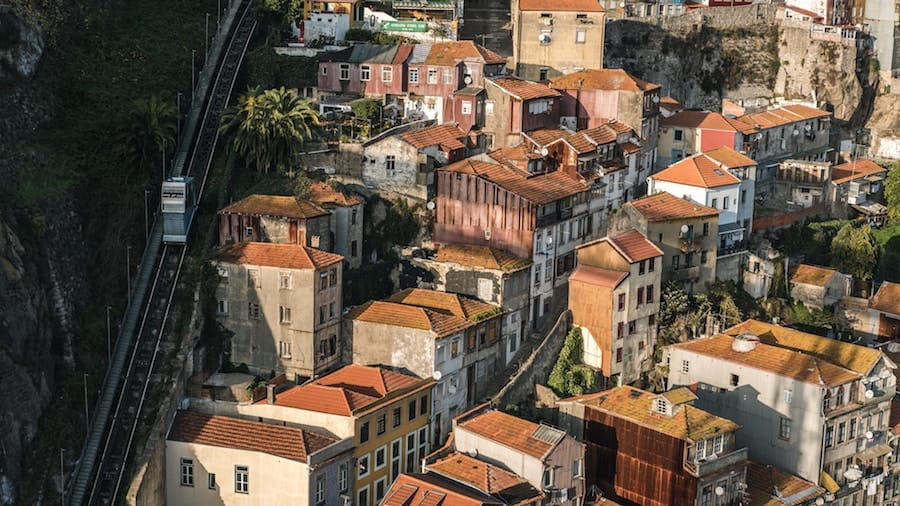 How to Seamlessly Get From the Porto Airport to the City Center