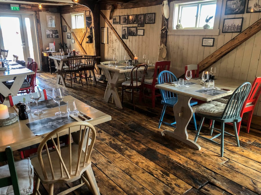 Sakrisøy Rorbuer Underhuset Restaurant: Best Rorbuer in Lofoten: 5 awesome Lofoten Rorbuer you should book for your trip! Lofoten Cabins / Lofoten Rorbu / Where to stay in the Lofoten Islands