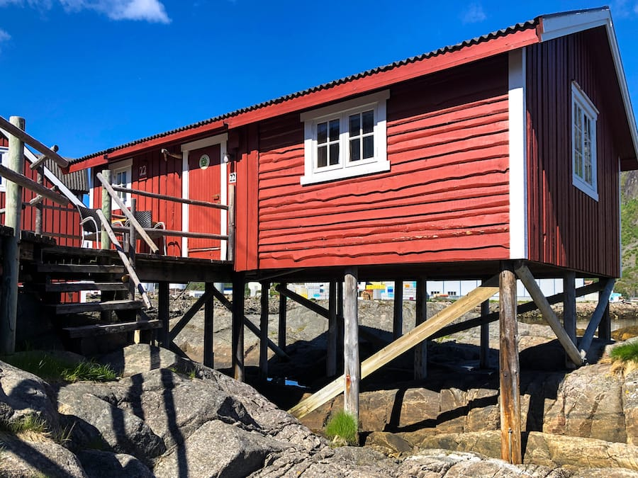 Svinoya Rorbuer: Best Rorbuer in Lofoten: 5 awesome Lofoten Rorbuer you should book for your trip! Lofoten Cabins / Lofoten Rorbu / Where to stay in the Lofoten Islands