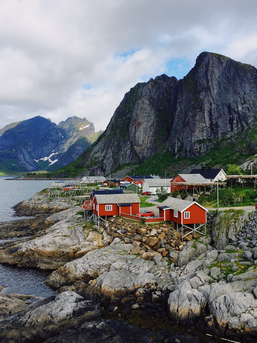 Sakrisøy Rorbuer: Best Rorbuer in Lofoten: 5 awesome Lofoten Rorbuer you should book for your trip! Lofoten Cabins / Lofoten Rorbu / Where to stay in the Lofoten Islands
