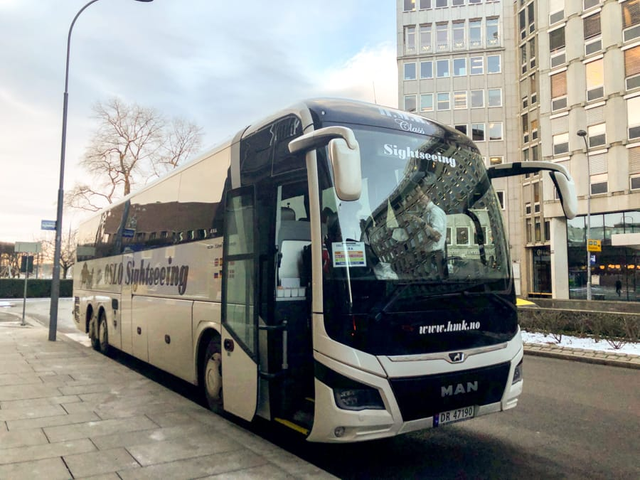 Oslo Discovery Tour review, tips, faq, and more! Bus and departure area of the tour