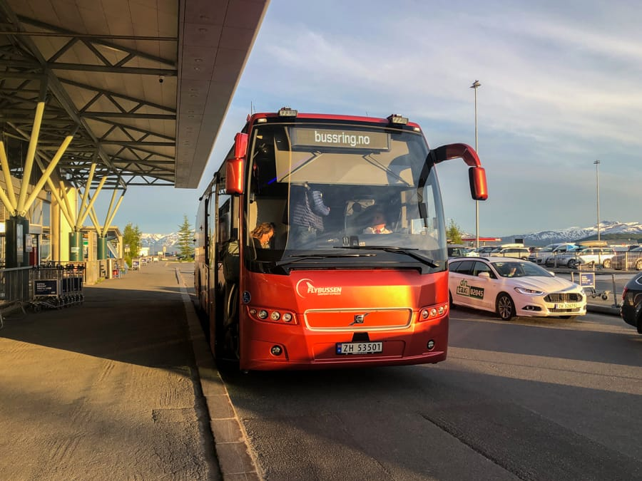 Bus from Tromso Airport to city center
