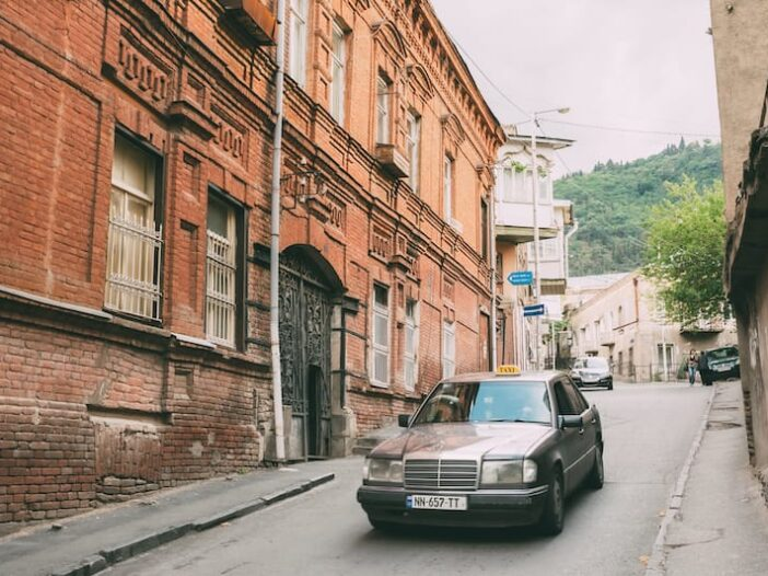 Tbilisi Taxi Tips: Taking a Taxi in Tbilisi with 2 Useful Apps