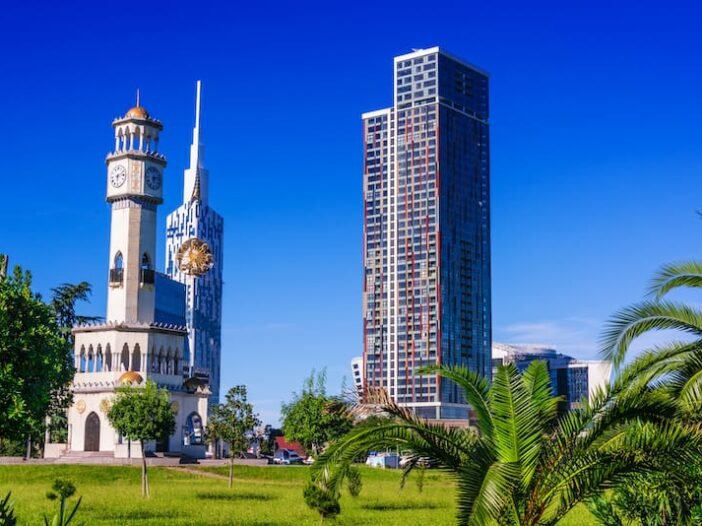 How to Cheaply Get From Tbilisi to Batumi (5 Best Options)