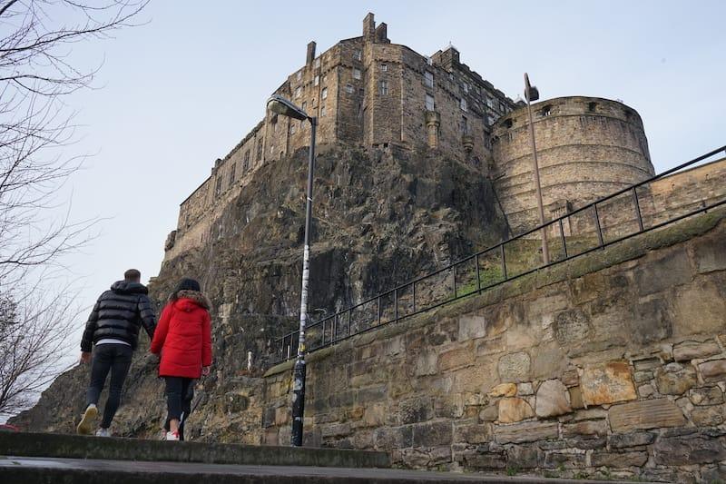 edinburgh castle low: scotland day trips glasgow