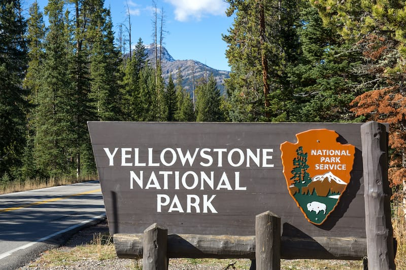 National park sign yellowstone