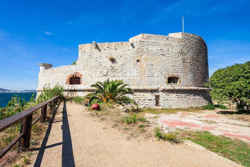 The Royal Tour tower is a fort built to protect the naval port of Toulon city in France
