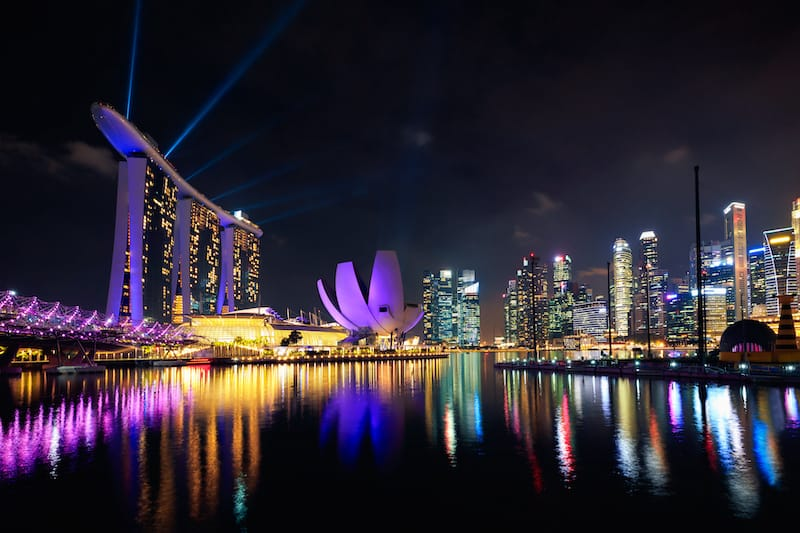 2 days in Singapore itinerary - Singapore at night