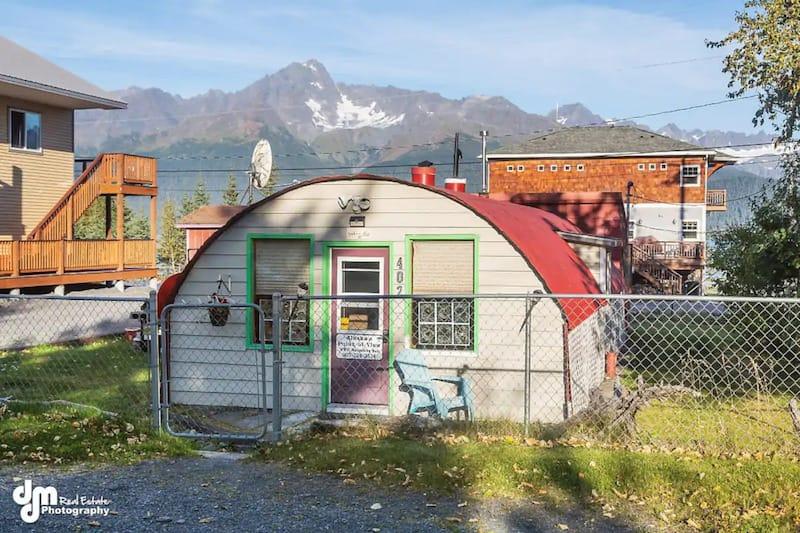 Cabins in Seward Alaska 1