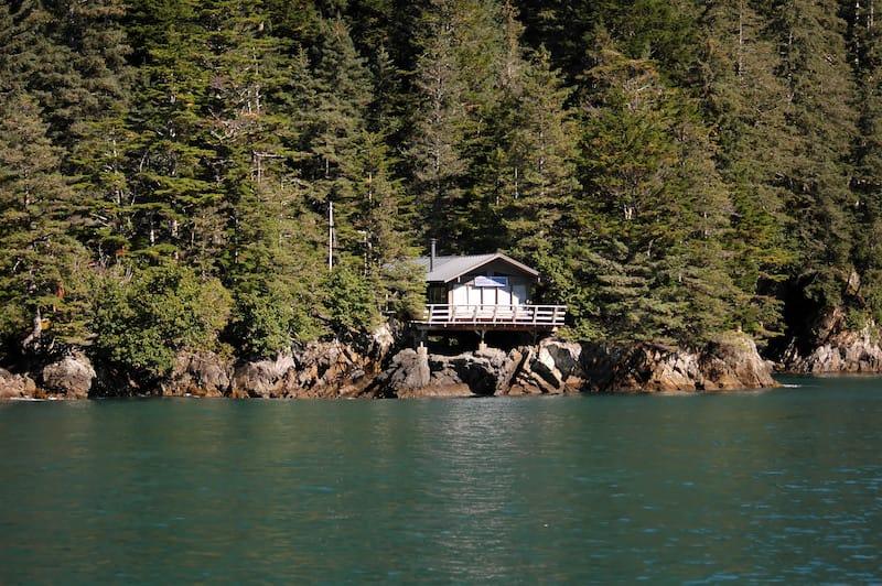Gorgeous Cabin in Seward Alaska Airbnb