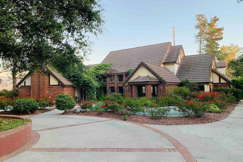 5-acre Tudor Estate in Temecula Wine Country 4