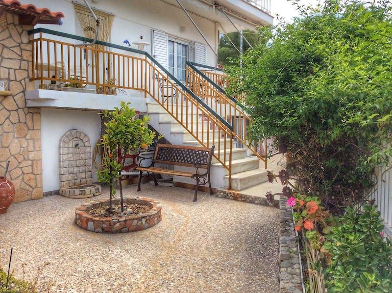 Airbnbs in Aegina