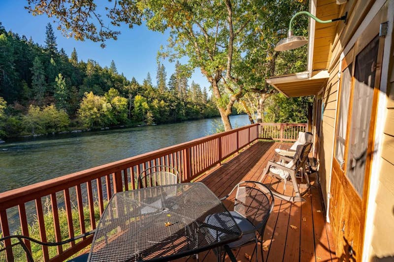 Airbnbs near Crater Lake Oregon