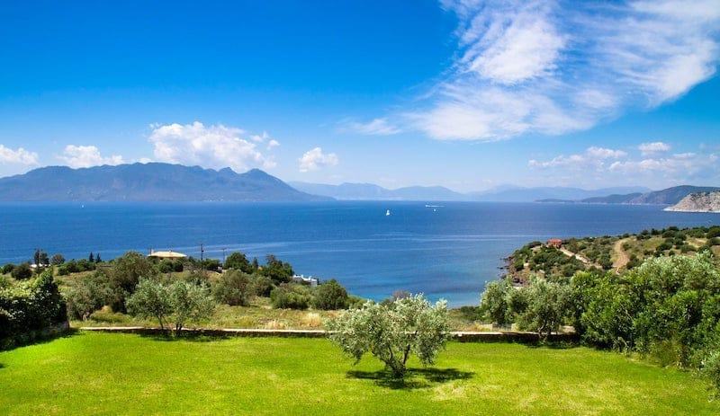 Best Aegina Villas