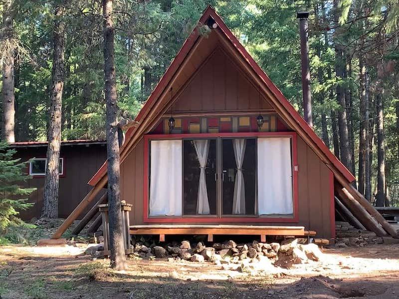 Cabin near Crater Lake Oregon