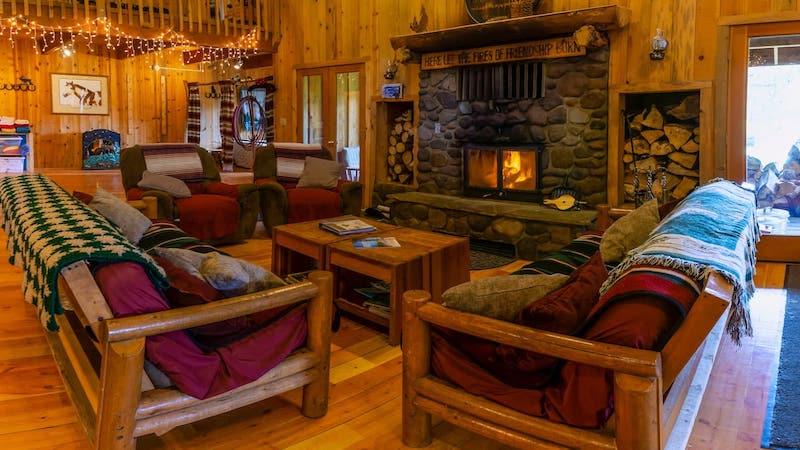 Cabin near Crater Lake