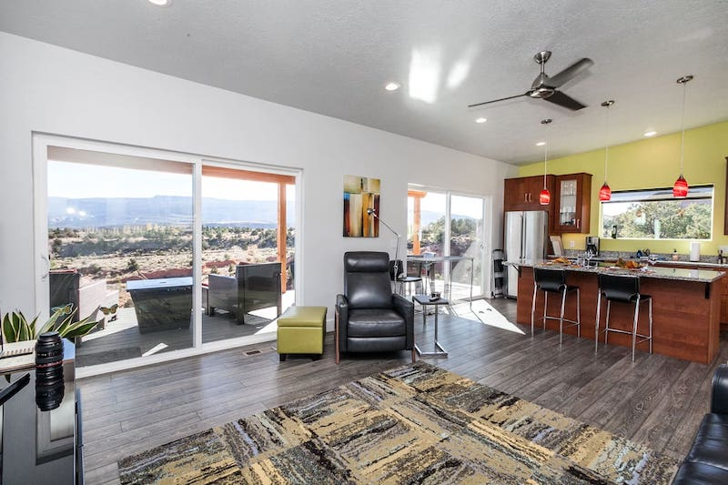 Cozy New Home with Breathtaking Views and More 4