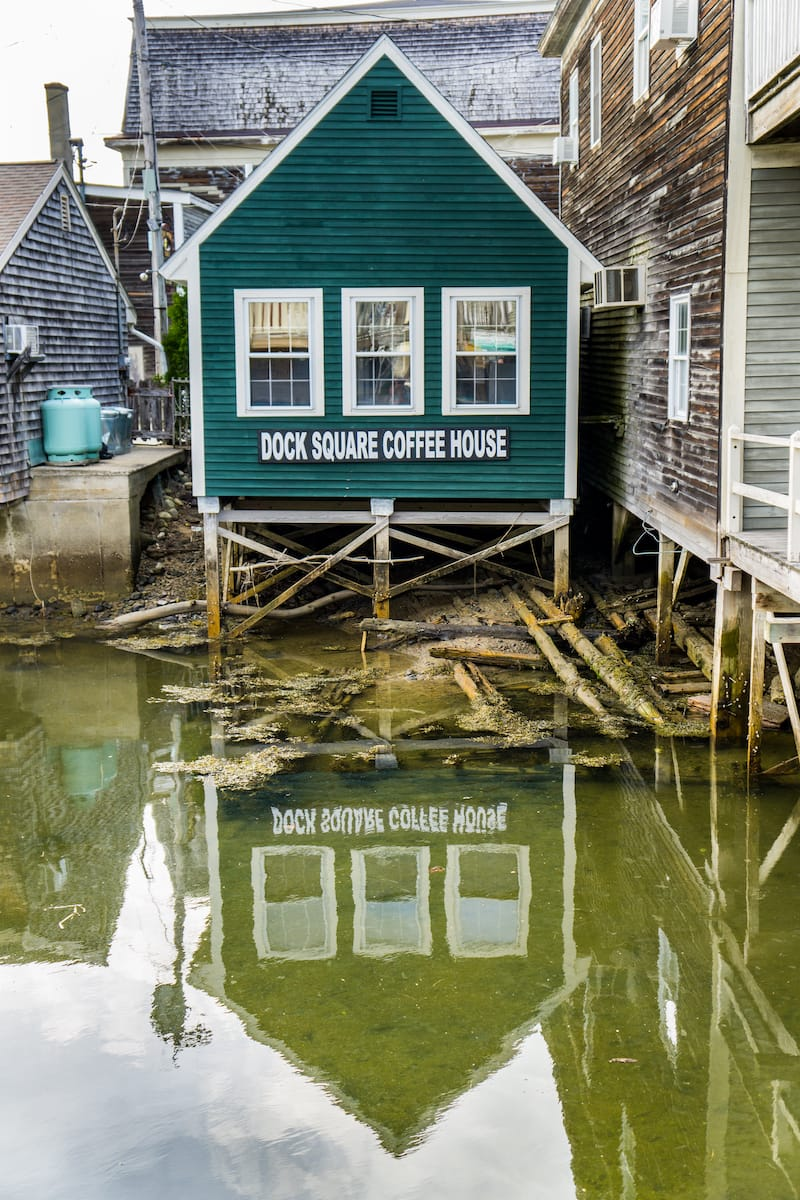 Dock Square Coffee House in Kennebunkport - Pernelle Voyage - Shutterstock.com