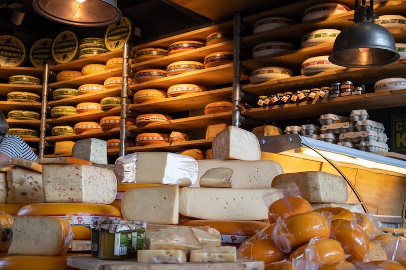 Dutch cheese varieties in Rotterdam