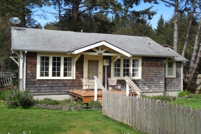 Historic Walker Cottage