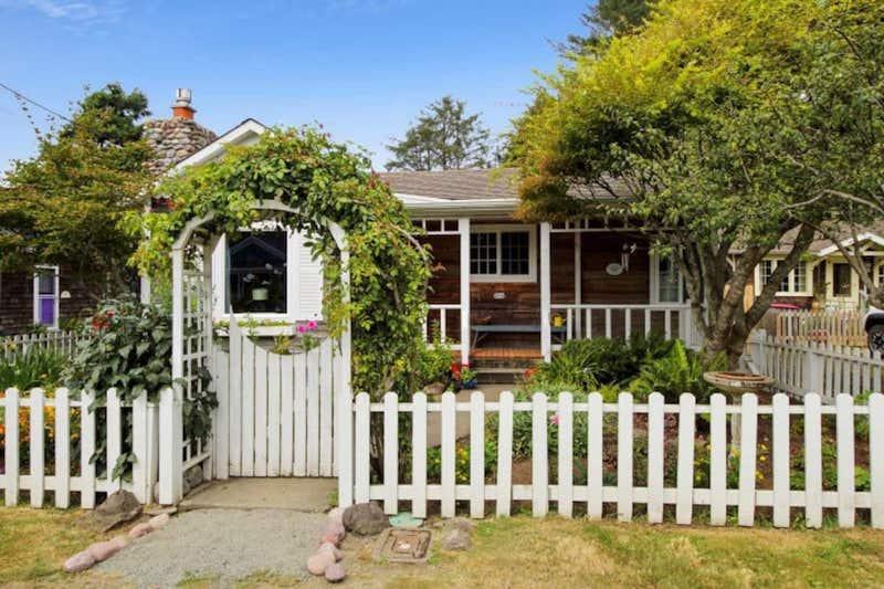 Lil Bird Cottage