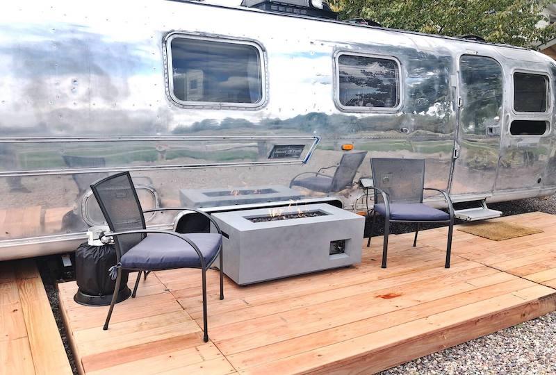 Luxury Minted '76 Airstream Mountain Modern Studio
