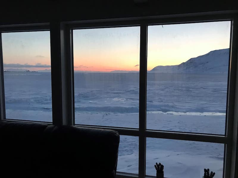 Oceanview cabin in Svalbard