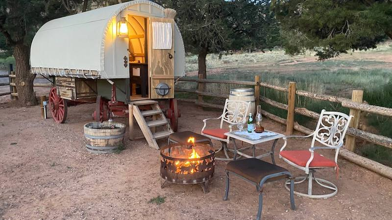 Unique and Romantic Glamping near Capitol Reef