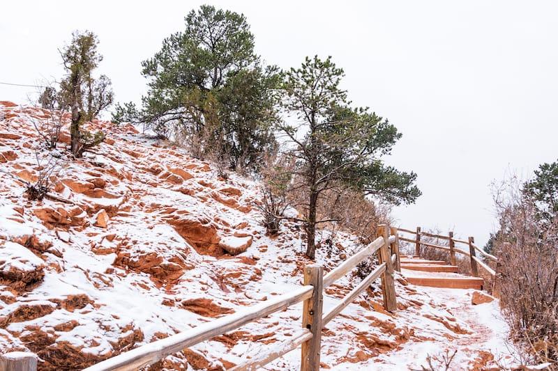 Hiking in winter in Garden of the Gods